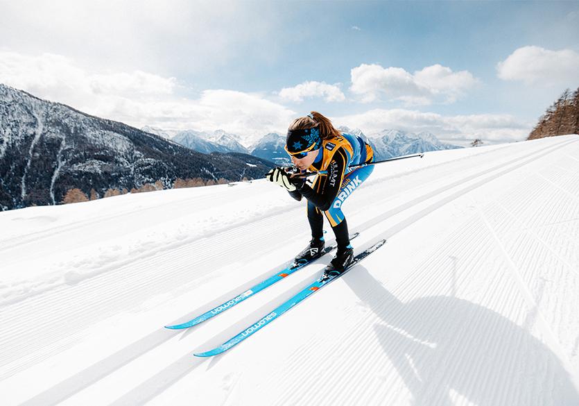tenue et lunettes de ski de fond