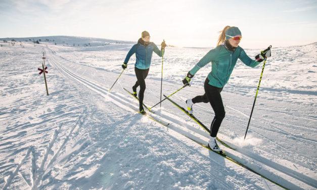 Ski nordique, ski de fond classique et skating : quelles différences ?